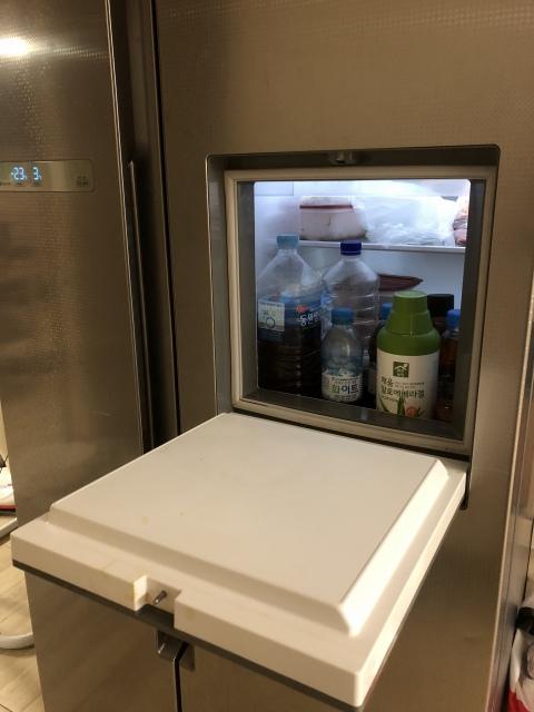 韓国 冷蔵庫 水
