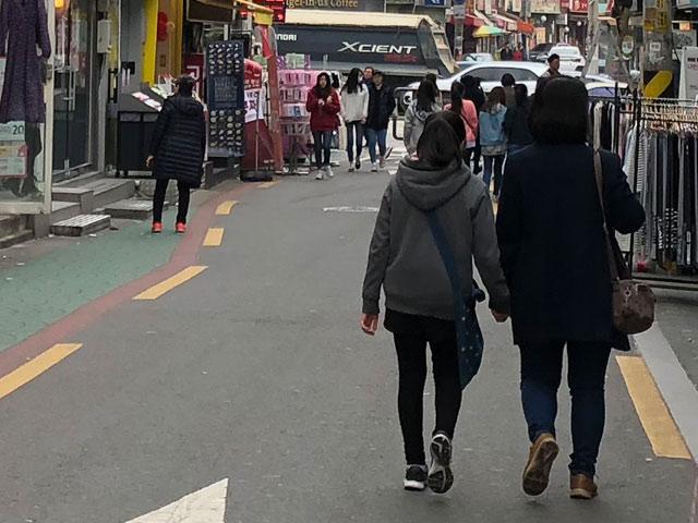 韓国 3月 服装